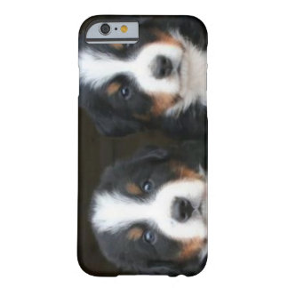 バーニーズ・マウンテン・ドッグのiPhone 6 ID™ Barely There iPhone 6 ケース