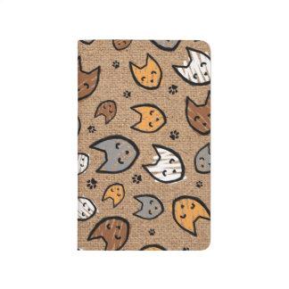 バーラップのカラフルな猫および足パターン ポケットジャーナル