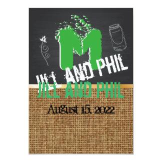 バーラップの黒板のグランジな原稿の緑 カード