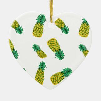 パイナップルパターンを持つオーナメント 陶器製ハート型オーナメント