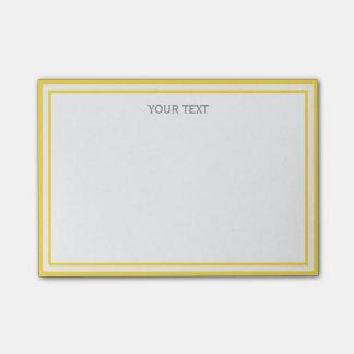 パイナップル黄色い白によって組み立てられる一流のモノグラム ポスト・イット®ノート