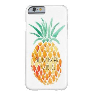 パイナップル-夏の感情 BARELY THERE iPhone 6 ケース