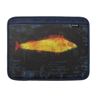 パウル・クレー金魚のヴィンテージの水彩画の芸術 MacBook スリーブ