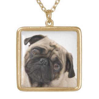 パグの小犬のペンダントのネックレス ゴールドプレートネックレス