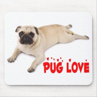 パグの小犬犬赤い愛ハート マウスパッド