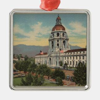 パサデナ、カリフォルニア-市役所の眺め及び公衆Librar シルバーカラー正方形オーナメント