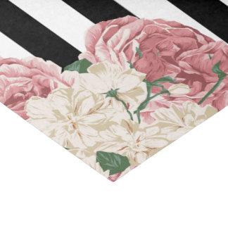 パステルのバラ、黒、白のストライプ 薄葉紙