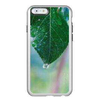パステルのiPhone6ケースの結露が付いている緑の葉 Incipio Feather Shine iPhone 6ケース