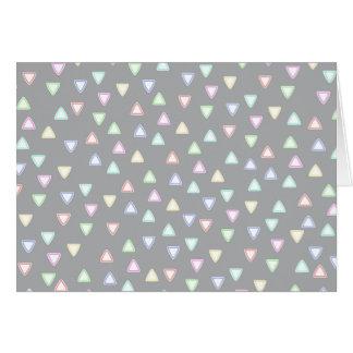 パステルカラーの少し三角形の丘パターン カード