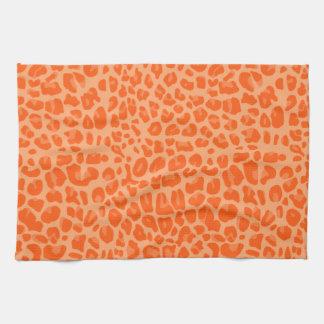 パステル調のオレンジヒョウのプリントパターン キッチンタオル
