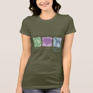 パステル調の平和、愛およびブリッタニースパニエル犬 Tシャツ