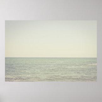 パステル調の海の写真撮影のミニマリズム ポスター