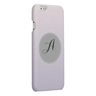 パステル調の紫色のアルファベット。 A.