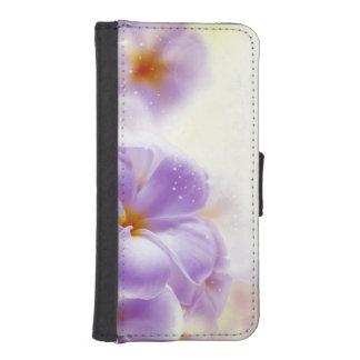 パステル調の紫色及び白く夢みるような花柄 iPhoneSE/5/5sウォレットケース