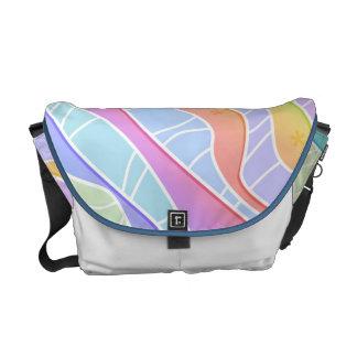 パステル調の虹のストライプなメッセンジャーバッグ2 メッセンジャーバッグ