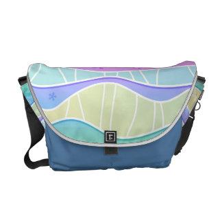 パステル調の虹のストライプなメッセンジャーバッグ クーリエバッグ