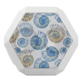 パステル調の貝殻パターン2 ホワイトBluetoothスピーカー