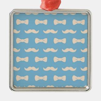 パステル調の青く、クリーム色の口ひげパターン メタルオーナメント