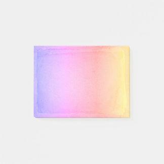 パステル調の黄色いピンクの紫色の水彩画のグラデーションなシート ポストイット