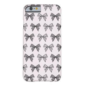 パステル調ピンクのiPhone6ケースのシックな弓パターン Barely There iPhone 6 ケース