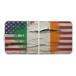パチパチ鳴る音のペンキ のアイルランドの米国旗 ビアポンテーブル