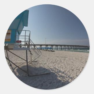 パナマ市のビーチ桟橋のライフガードタワー ラウンドシール