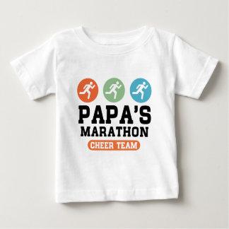 パパのマラソンの応援のチーム ベビーTシャツ