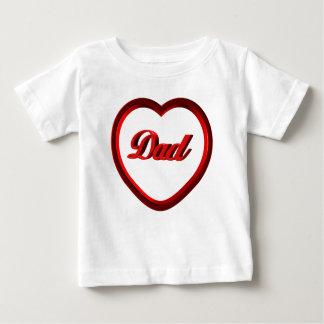 パパの赤いハートフレーム ベビーTシャツ