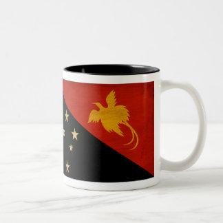 パプアニューギニアの旗 ツートーンマグカップ