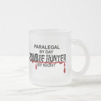 パラリーガルのゾンビのハンター フロストグラスマグカップ