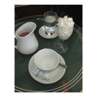 パリのカフェのカフェViennois レターヘッド
