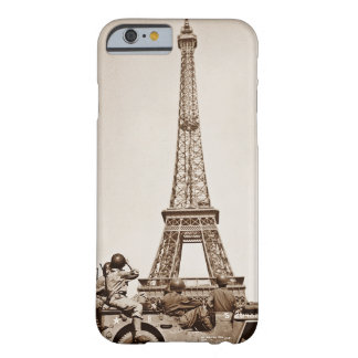 パリのヴィンテージのエッフェル塔は兵士によって見ました BARELY THERE iPhone 6 ケース