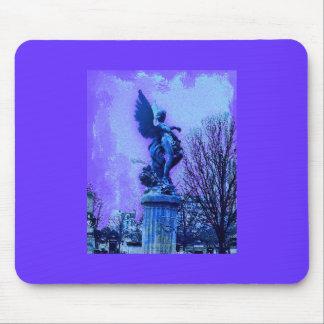 パリの墓地の天使 マウスパッド