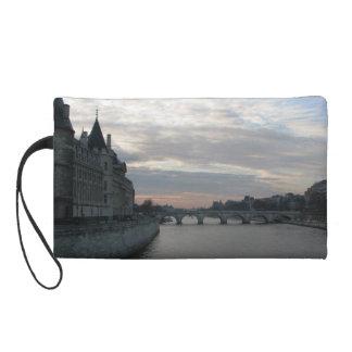 パリの美しい日没のスタイリッシュなバッグ リストレット