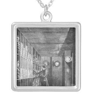 パリ1897年のフランスの銀行の金庫 シルバープレートネックレス