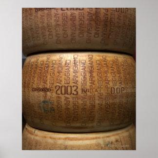 パルメザンチーズの積み重ね、クローズアップ ポスター