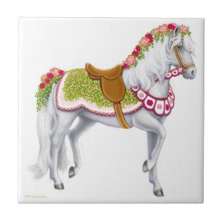 パレードの馬のタイルは上がりました タイル