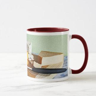 パンのブドウのチェダーおよびブルーチーズの静物画 マグカップ