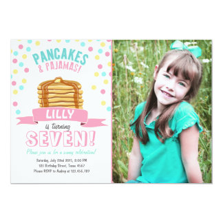 パンケーキおよびパジャマの誕生日のパーティの招待状 カード