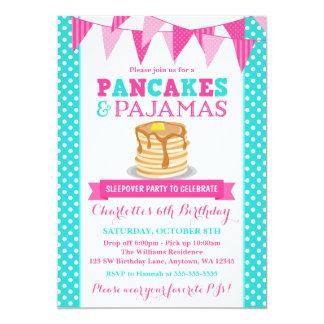 パンケーキおよびパジャマのSleepoverのピンクのティール(緑がかった色)の誕生日 カード