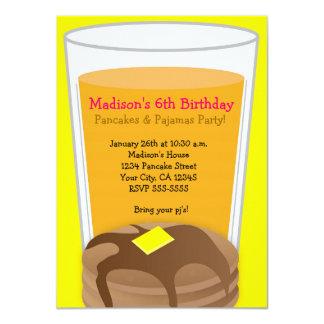 パンケーキ及びパジャマの黄色いブランチのパーティの招待状 カード