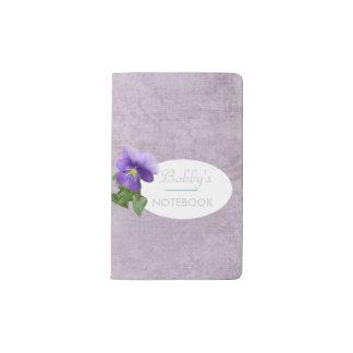 パンジーが付いているラベンダーの質のノート ポケットMoleskineノートブック