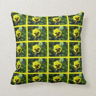 パンジーのアメリカ人のMoJoの黄色い枕 クッション