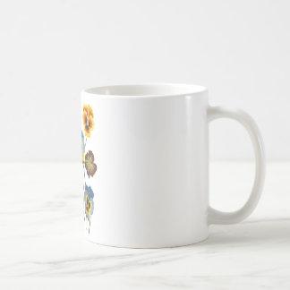 パンジーの刺繍されたパレード コーヒーマグカップ