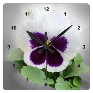 パンジーの紫色の白 スクエア壁時計