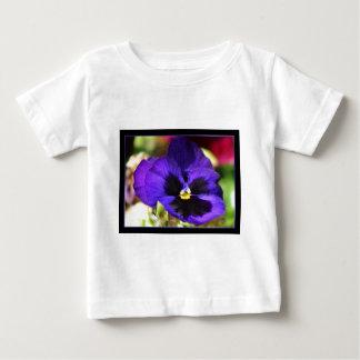 パンジーの花 ベビーTシャツ