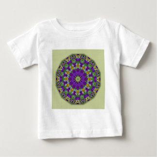 パンジー、パンジーの自然、花曼荼羅 ベビーTシャツ