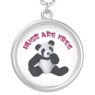 パンダの抱擁ペンダント シルバープレートネックレス