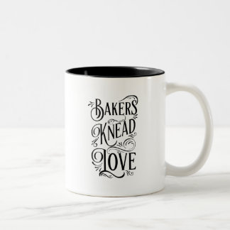パン屋は愛-シェフのためのおもしろい--を練ります ツートーンマグカップ