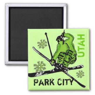 パークシティユタの緑のテーマのスキーヤーの磁石 マグネット